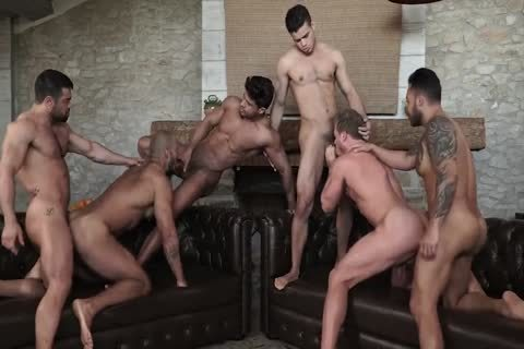 Sex-Party - Six males Have fun